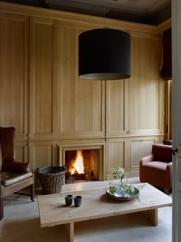 't Wit Huys ter Miereyck Lounge with solid oak panelling by St-Paul Home