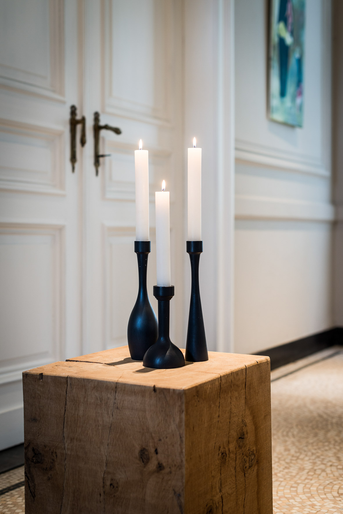 Victor Hélène solid oak candleholders in Black Oxide natural paint Simpla 162 and Konturo and Silueto